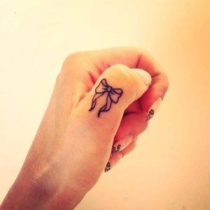 tattoo-on-finger