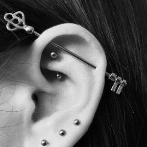mentiasie-ear-piercing