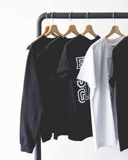 t-shirt-on-rack